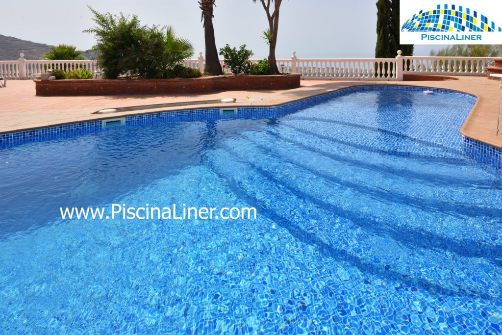 Cracked pool, Renolit Liner