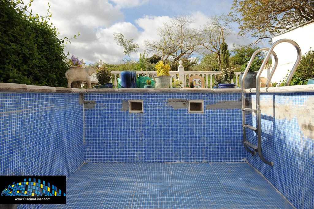 Cracked Swimming Pool With Liner Montefrio Granada