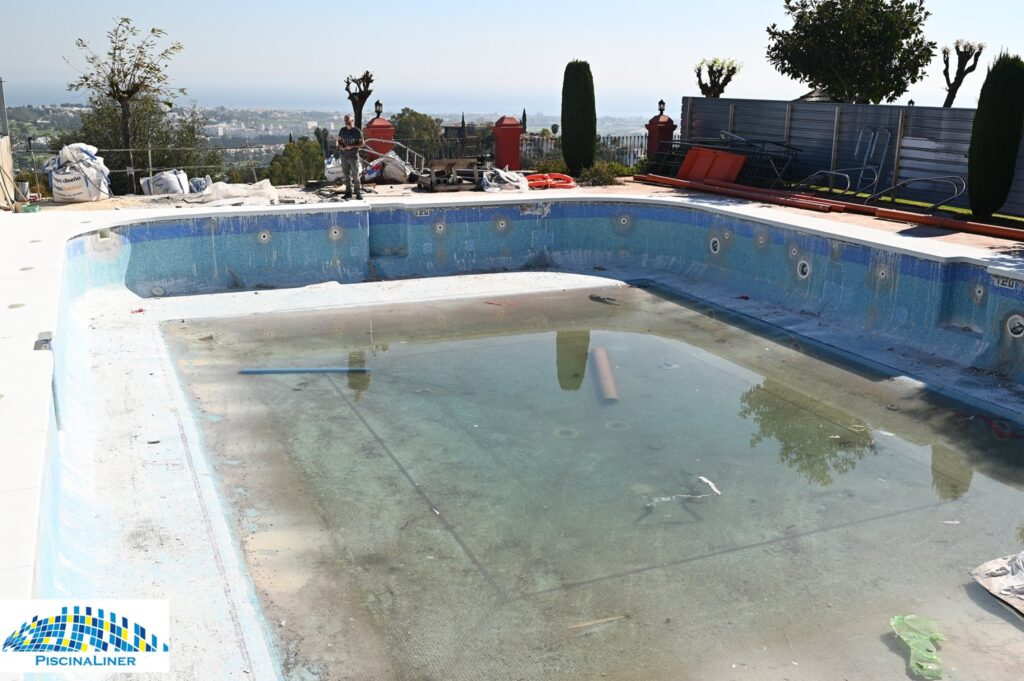 Reform, cracked and leaking urbanisation swimming pool