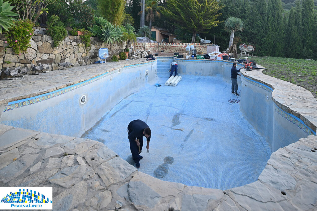 Cracked pool structure repair, Gaucin