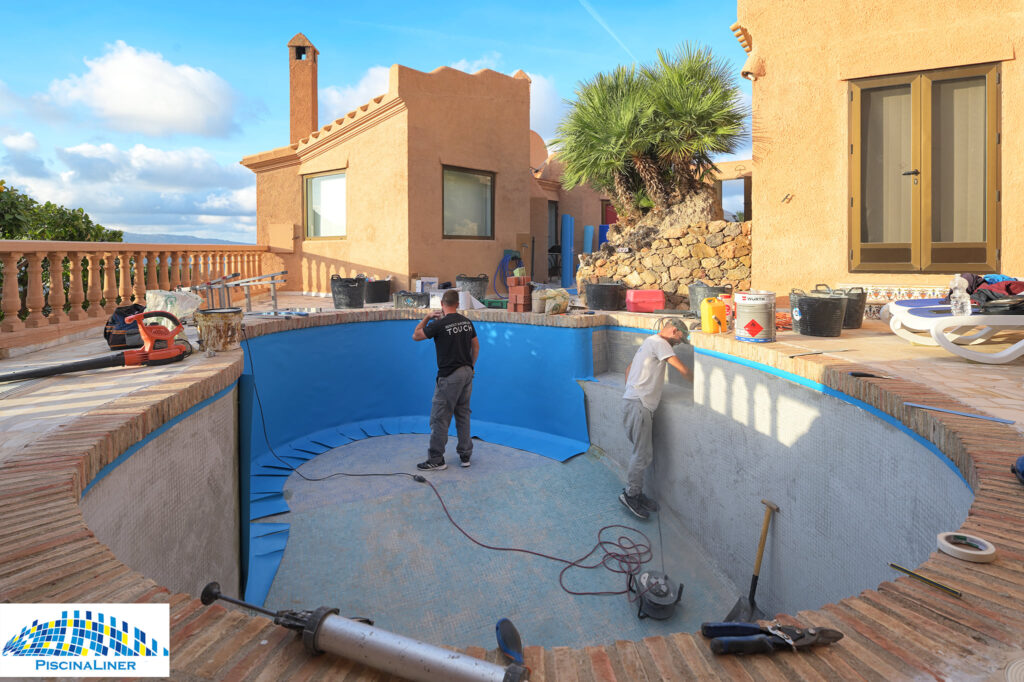 Pool works near Turre