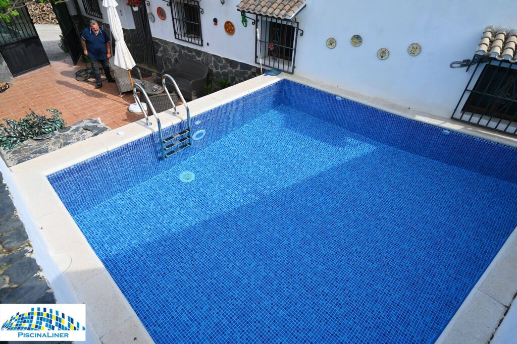 Renolit pool liner, Painted pool