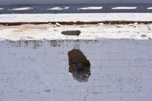 Cracked leaking pool, Arboleas
