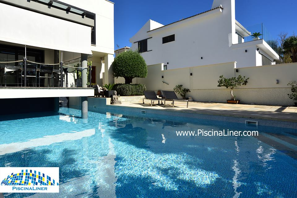 Modern villa swimming pool finishes
