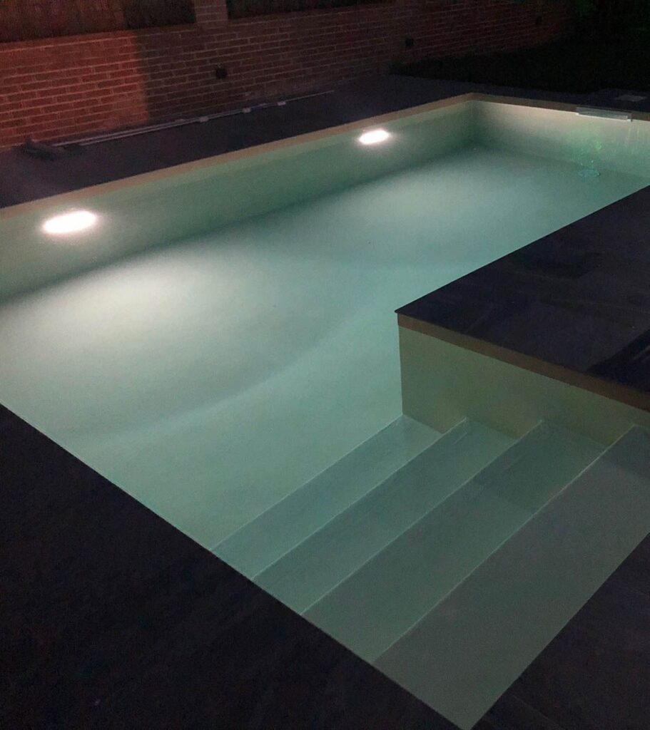 How to fit pool lights