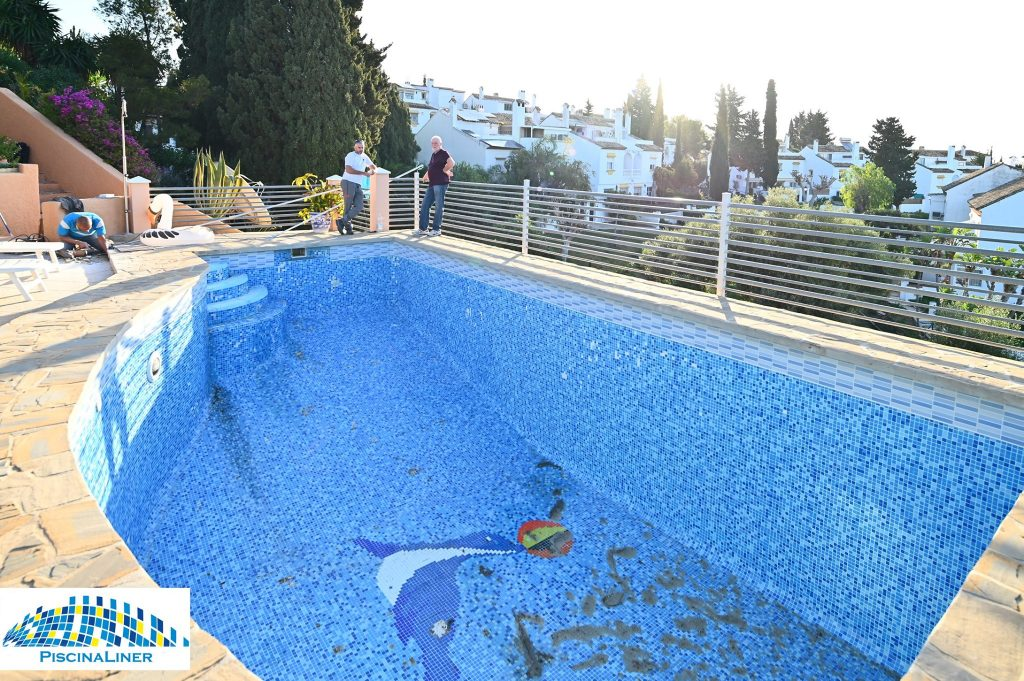 Cracked pool repair, Malaga