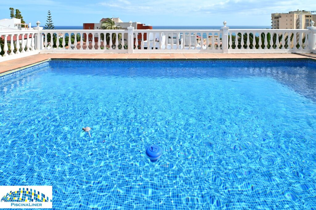 Reinforced swimming pool liner