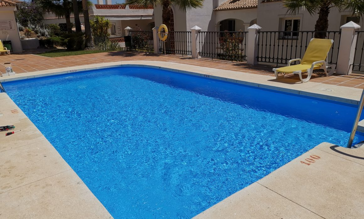 Renolit Xtreme comercial pool liner