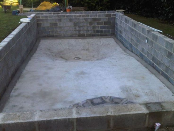Self build diy swimming pool building in spain or portugal for Building a pool