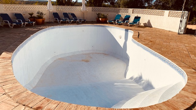 Fibreglass Pool Repair