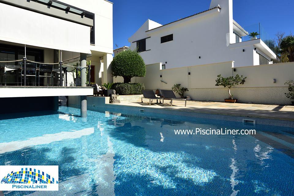 Modern villa swimming pool finishes